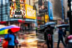 Cross motion - a rainy day in NY