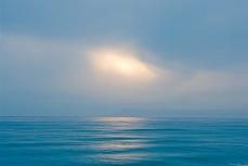 Wolkenlücke über dem Meer