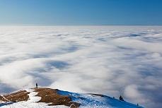Fototapete mit Bergmotiv - Über dem Hochnebel einsam