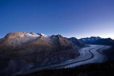 Fototapete mit Bergmotiv - Aletschgletscher am Morgen