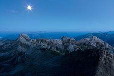 Fototapete mit Bergmotiv - Blaue Stunde Alpstein