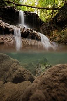 Halbhalb Tengen Wasserfall