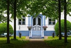 Einladender Eingang im Hochdorfer Garten in Tating