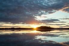 Kashwitna Lake im Abendlicht