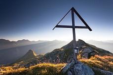 Morgenstimmung am Gipfelkreuz