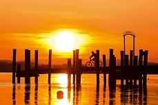 Sonnenuntergang Allensbach Radler