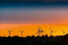 Windräder in der Abendsonne von Bredstedt Nordfriesland