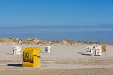 Sonniger Strandkorb am Kniepsand auf Amrum