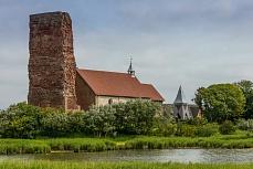Der Kirchhof der alten Kirche auf Pellworm