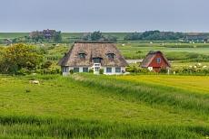 Höfe bei der alten Kirche auf Pellworm