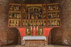 Altar der neuen Kirche auf Pellworm