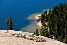 Tenaya Lake in den Tuolumne Meadows im Yosemite National Park