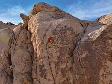 Eine Felswand im Joshua tree desert im Joshua tree National Park in Kalifornien