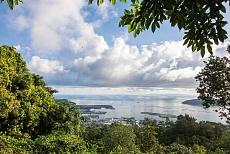 Mahé Victoria Panoramastrasse Sans Souci Road Blick über die Stadt auf Sainte Anne