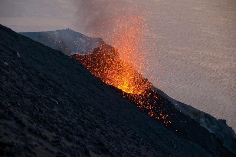 Ausbruch des Vulkans Stromboli