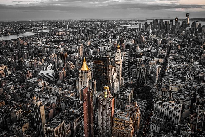 NYCs golden Tops