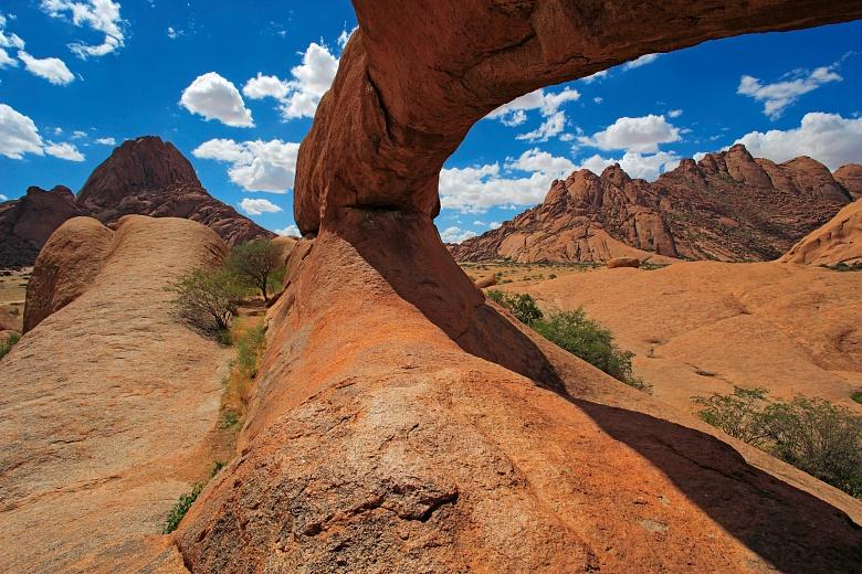 Felsbogen in Namibia