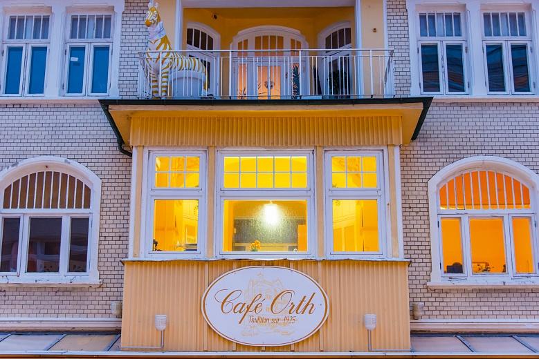 Sylt Westerland - stimmungsvoll beleuchtetes Kaffeehaus in der Friedrichstrasse