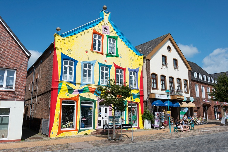 Buntes Haus am Marktplatz von Bredstedt